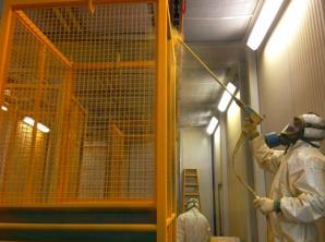 verniciatura-a-liquido-gabbia-laboratorio-milano